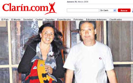 O casal argentino Laura Di Battista Luis Crespo, em imagem de reprodução do site do jornal 'Clarin' (Foto: Reprodução/Clarin)